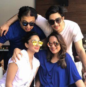 Kiara Advani Family